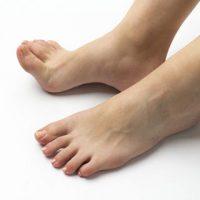 足の鍛えましょう 女性のための猫背・姿勢矯正専門カラダケア整体院